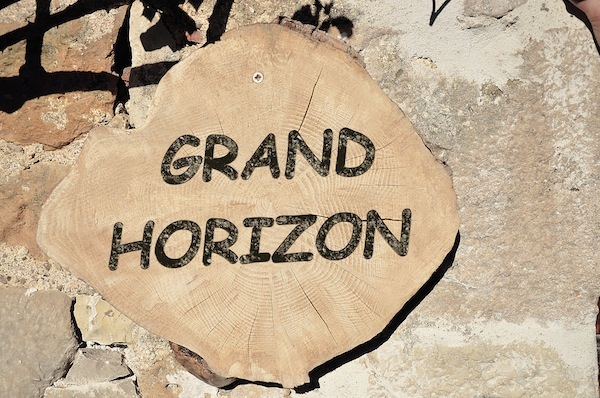 0-Logo-Grand-Horizon
